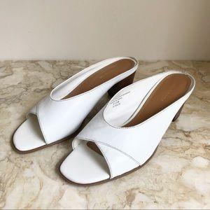 Liz Claiborne Vintage Style Leather Peep Toe Mules